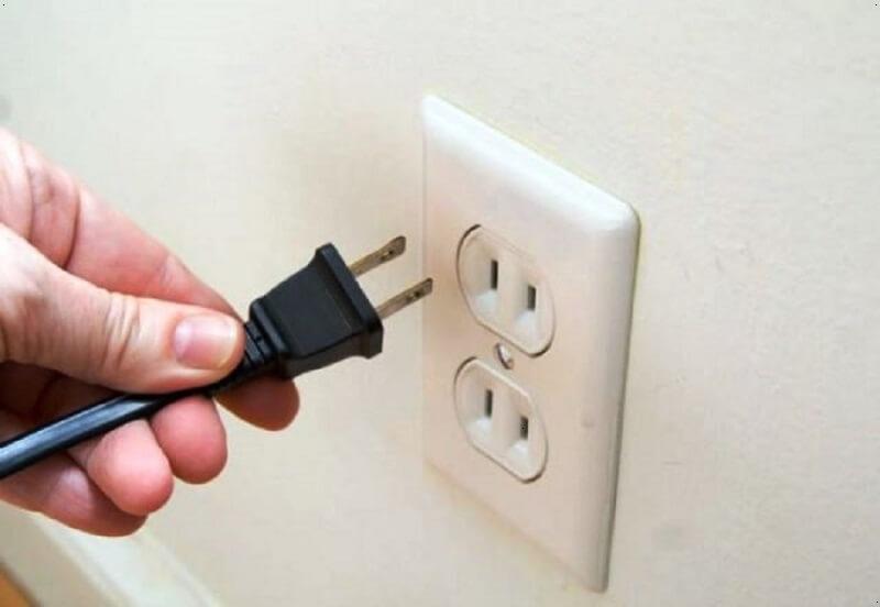 tắt thiết bị điện tử không cần thiết